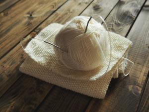 knitting-1268932_1920-1