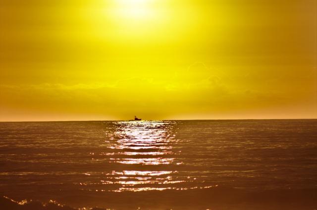 sunrise-1771765_1920.jpg
